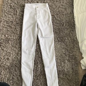 great condition, white skinny high waisted jeans
